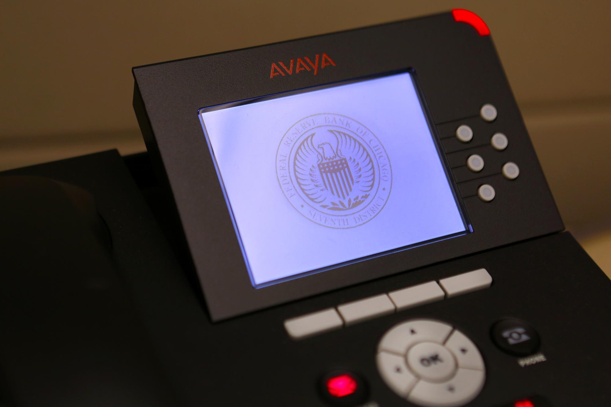 Seal image as phone's screensaver